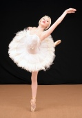 Lauren Trodahl in Swan Lake