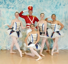 Richard Philion with DTNW's Blue Color Guard Photo by Phil Eargle copy